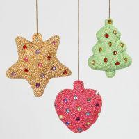 Julepynt av isopor kledd med Foam Clay og pyntet med rhinsten