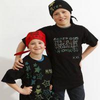 T-shirts og bandanas med stempeltrykk