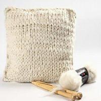 Pute strikket av merinoull