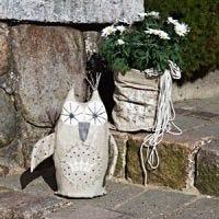 Pynteugle og posevase til hagen