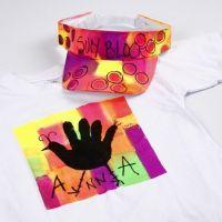 Neon tekstilmaling på T-shirt og solskjerm