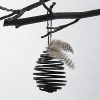 Egg av svart spiral av flat alutråd