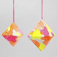 Diamant av papir med trykk i neonfarger