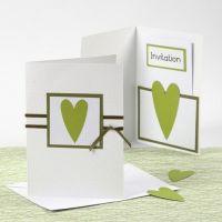 Innbydelse og menykort i hvitt og grønt