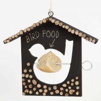 Fuglematehus, malt og pyntet med treskiver