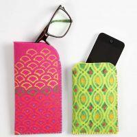 Etui av kraftig filt med tekstildekorasjon