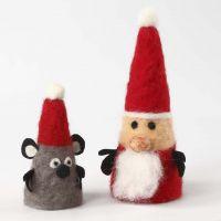 Julefigurer av isoporkjegler med nålefilting