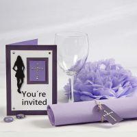 Innbydelse og bordpynt til konfirmasjonsfest i lilla