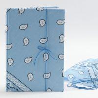 Skissebok med bandana på omslaget