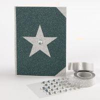Kort med glitter dekorert med glitrende designpapir