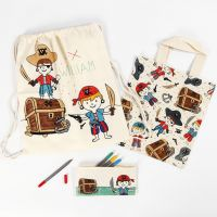 Pirat Penalhus, Mulepose og skopose dekorert med tekstiltusjen