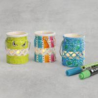 Lanterne av porselen dekorert med glass- og porselenstusj