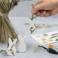 Påskeoppheng av porselen med tørkede blomster