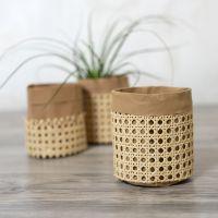 Oppbevaringspose av lærpapir dekorert med rørflett