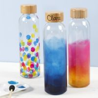 Vannflaske dekorert med glassmaling