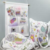 Tekstiler dekorert med tusj